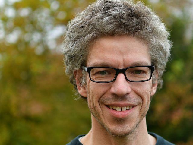 Dr. Peter Weinert